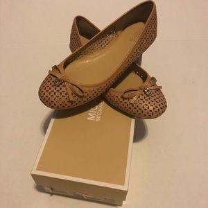 Olivia Flat Leather Sutan